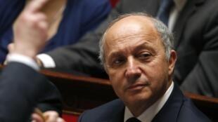 « Une diplomatie économique » c'est ce que souhaite Laurent Fabius  pour dynamiser les relations économiques et commerciales avec certains pays.