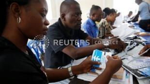 剛果民主共和國選舉委員會正在點票。2019-01-04