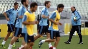 Treino da seleção espanhola  no Castelão, em Fortaleza, nesta quarta-feira (26), antes de enfrentar a Itália pela semifinal da Copa das Confederações.