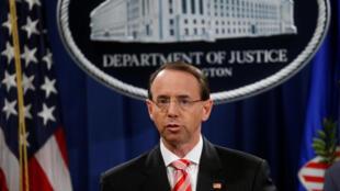 Le procureur général adjoint des Etats-Unis Rod Rosenstein a annoncé lors d'une conférence de presse l'inculpation des 12 agents russes, à Washington, le 13 juillet 2018.