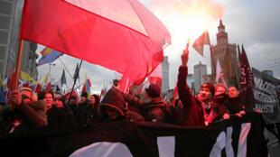 Manifestation de groupes nationalistes d'extrême droite à Varsovie, à l'occasion de la Fête de l'Indépendance, le 11 novembre 2017. (Photo d'illustration)
