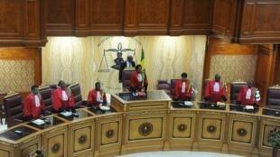 La Cour constitutionnelle gabonaise lors d'une audience à Libreville en 2016 (image d'archives).