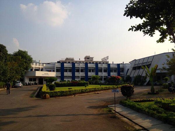 Le National Burns Center est un havre de paix à la sortie de Bombay.