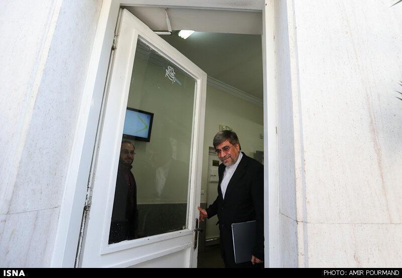 علی جنتی - وزیر ارشاد: طبق نظر مراجع اگر صدای تک خوانهای زن موجب مفسده نشود ایرادی ندارد.