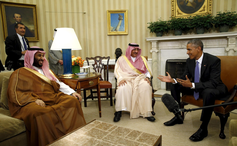 دیدار شاهزاده محمد بن نایف، ولیعهد عربستان و شاهزاده محمد بن سلمان، پسر پادشاه و وزیر دفاع این کشور با باراک اوباما در کاخ سفید. ٢٣ اردیبهشت/ ١٣ مه ٢٠١۵