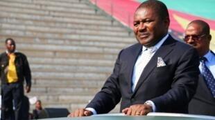 Presidente moçambicano apela àrendiçãodolíderda autoproclamada Junta militar