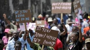 Haïti: les partisans de l'ancien président Michel Martelly sont descendus dans la rue mardi 12 avril 2016 pour demander l'organisation rapide d'un nouveau soutien présidentiel.