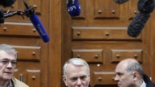 O presidente do grupo socialista na Assembleia, Jean-Marc Ayrault, é o nome mais cotado para ser o próximo primeiro-ministro da França.