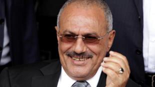 លោក  Ali Abdallah Saleh អតីតប្រធានាធិបតីយេម៉ែនដែលពួកហ៊ូទីសម្លាប់ចោល