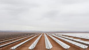 «Noor», la centrale solaire thermodynamique d'Ouarzazate, la plus grande au monde, inaugurée en février 2016.