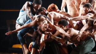 """Espectáculo """"A Festa (da insignificância)"""" apresentado entre hoje e sexta-feira em Paris."""