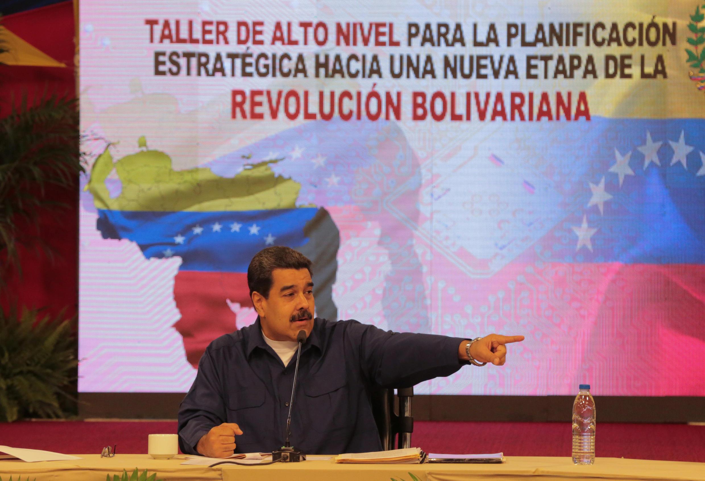 O presidente venezuelano Nicolás Maduro durante reunião com governadores eleitos no Palácio de Miraflores, em 23 de outubro de 2017.