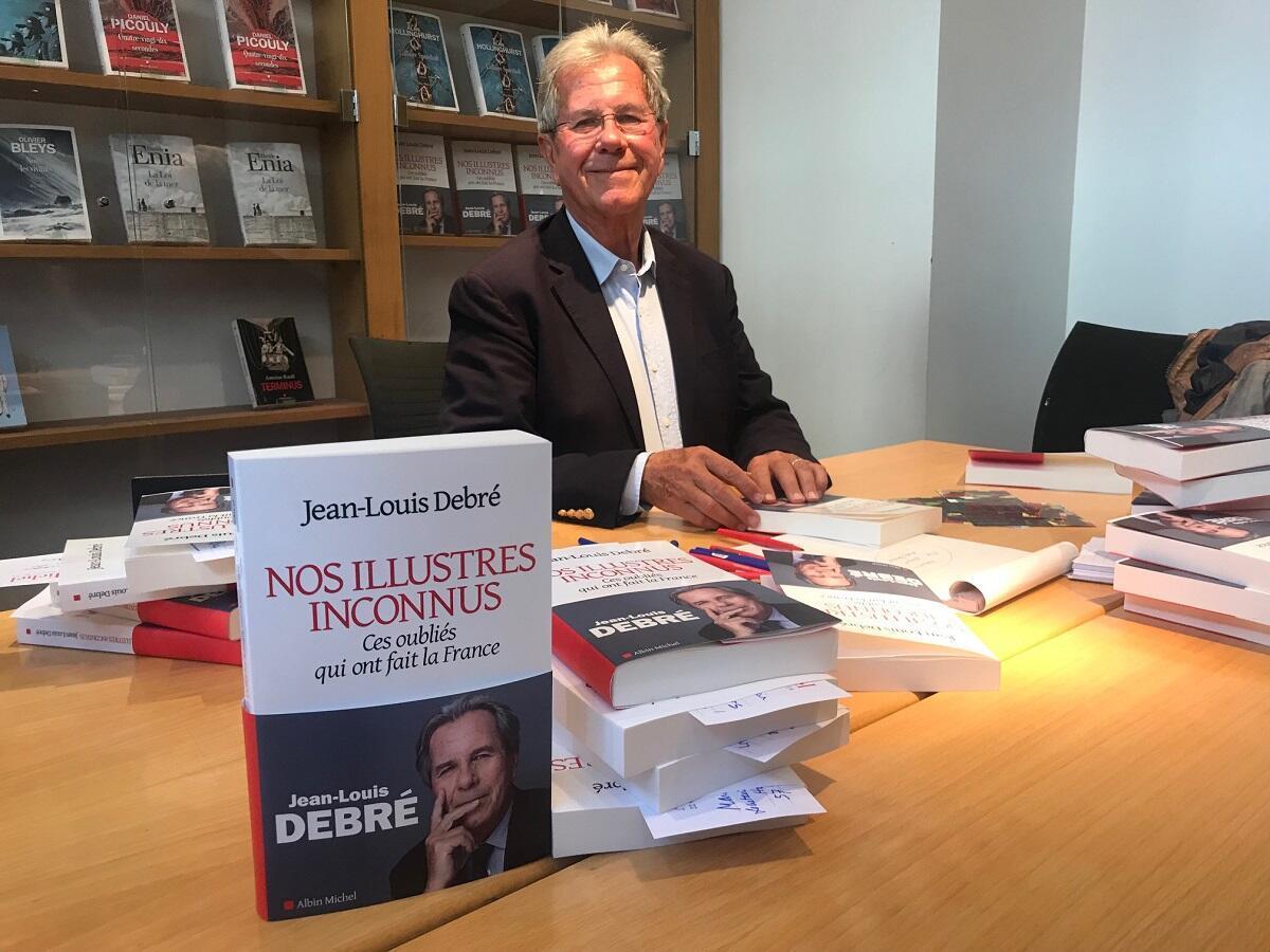 Président à titre bénévole du Conseil supérieur des archives depuis mars 2016, Jean-Louis Debré est aussi un auteur à succès.
