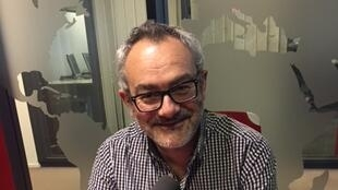 L'écrivain français Emmanuel Grand en studio à RFI.