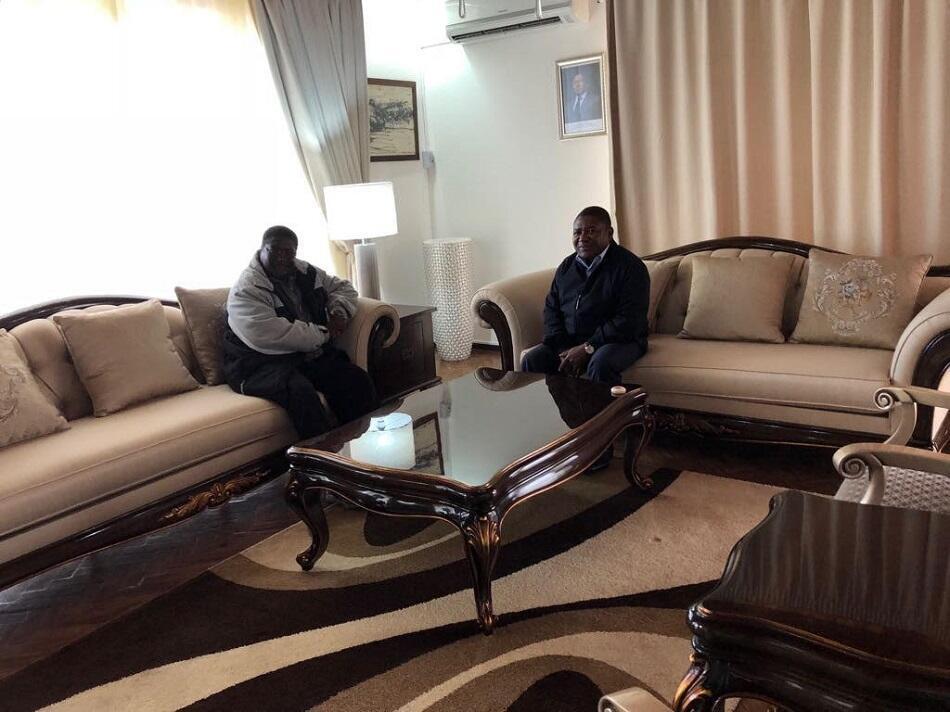 Presidente Nyusi juntamente com o líder interino da Renamo, Ossufo Momade.