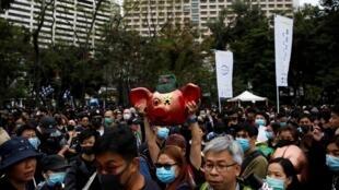 Người Hồng Kông tuần hành vì dân chủ trong ngày đầu năm mới 2020, 01/01/2020.