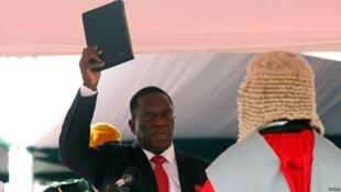 مراسم ادای سوگند امِرسون منانگاگوا به عنوان رئیس جمهوری جدید زیمبابوه