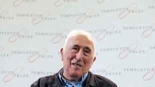 Jean Vanier, le fondateur de l'Arche, ici lors d'une conférence de presse à Londres en 2015.