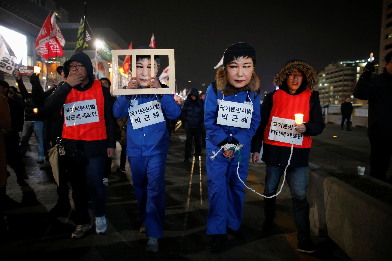 Dân Hàn Quốc biểu tình đòi tổng thống Park Geun Hye từ chức, Seoul, ngày 30/11/2016