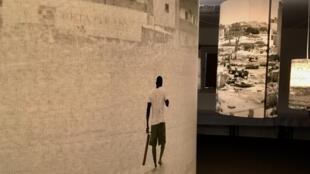 « Pouls », exposition sonore à Dak'Art, L'Heure rouge, 13e Biennale de l'art africain contemporain, jusqu'au 2 juin 2018, à Dakar.