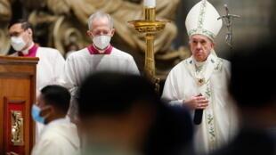 pape francois vatican birmanie