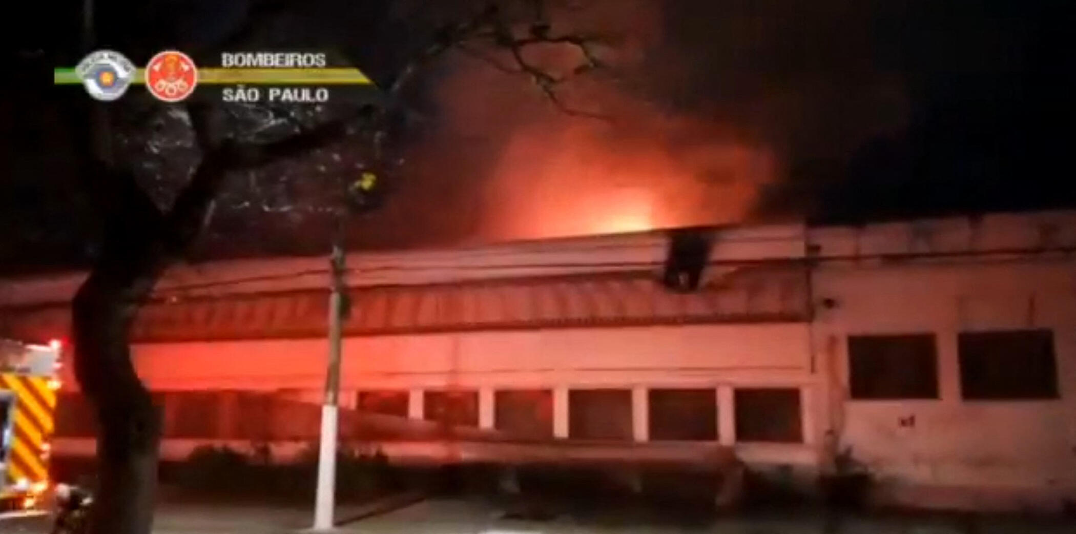 bresil incendie mediatheque