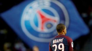 O PSG pode erguer neste domingo o título de campeão francês.