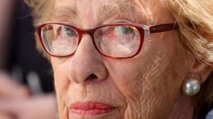 Eva Schloss est venue raconter à ces lycéens de la petite ville de Newport Beach ce qu'elle a vécu dans le camp d'extermination nazi d'Auschwitz.
