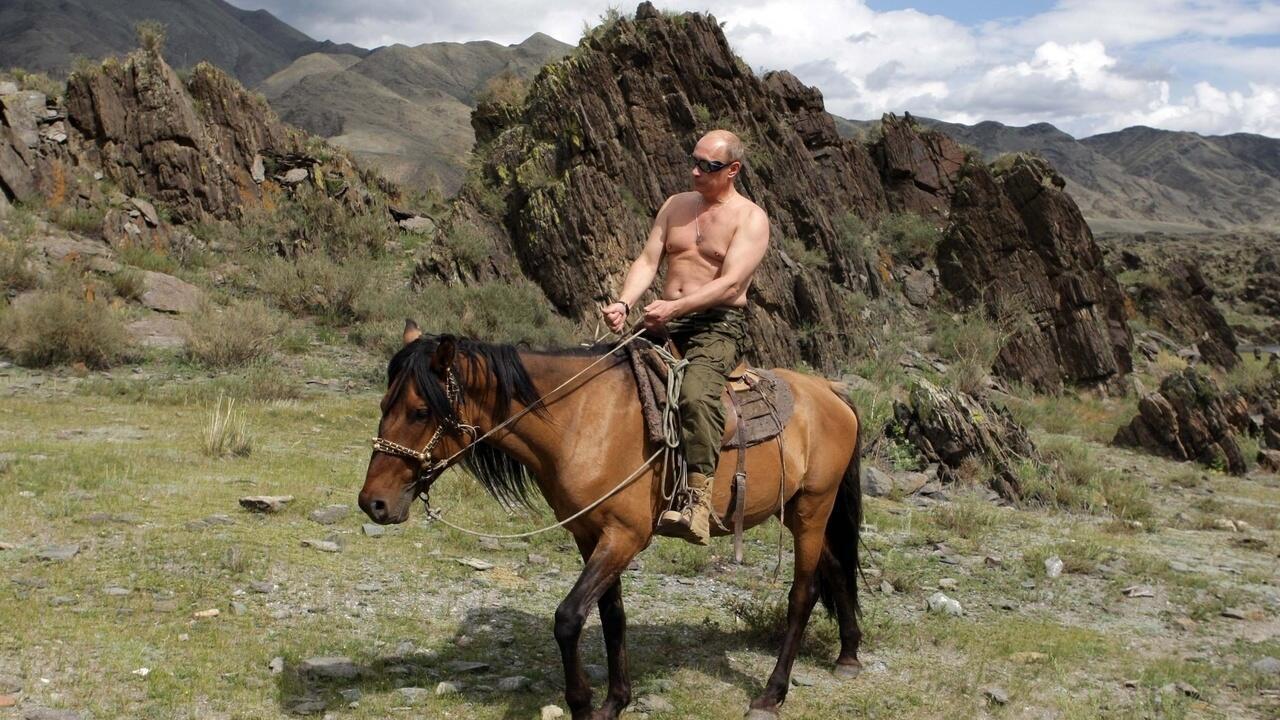 Путин на лошади