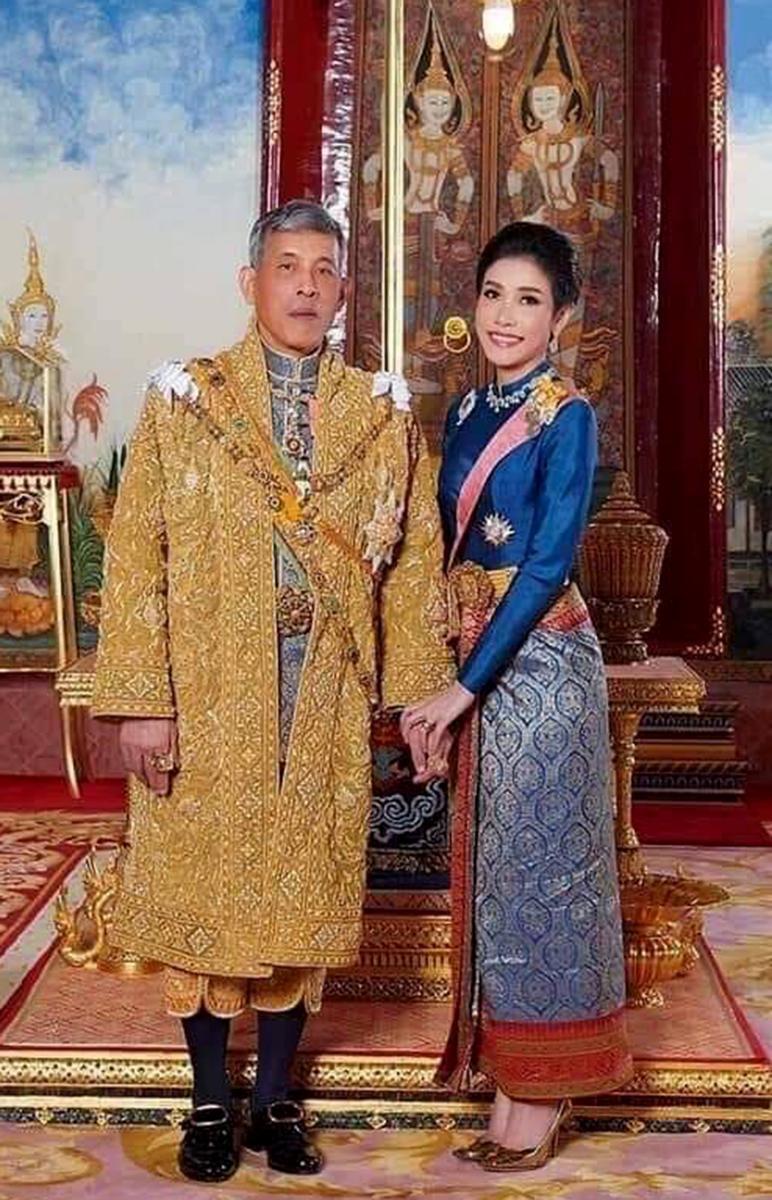 泰国国王玛哈·哇集拉隆功与废妃诗妮娜资料图片