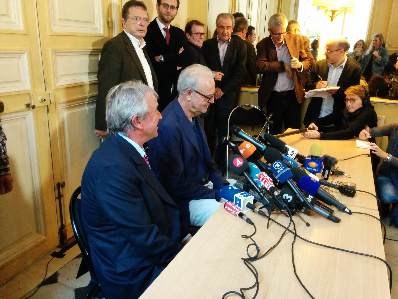O escritor francês Patrick Modiano durante a coletiva de hoje