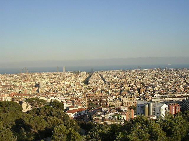 Muungano wa vyama vya wafanyakazi katika eneo la Catalonia  umewataka wakazi wa Catalonia kuandamana Novemba 8 (picha inayoonesha mji wa Barcelona).