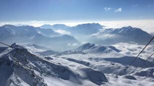 Les stations de ski des Alpes du nord sont de plus en plus vulnérables face au réchauffement climatique.