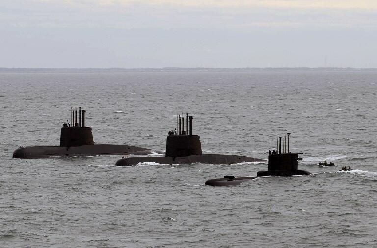 Ảnh tư liệu: Ba tàu ngầm Achentina San Juan, Salta và Santa Cruz tới căn cứ hải quân Mar Del Plata, ngày 13/06/2014