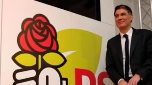 O Primeiro Secretário do Partido socialista, Olivier Faure, na sede do PS, em Paris, a 30 de Março de 2018.