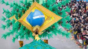 Referência ao Brasil no carnaval de Nice, na França, que começou nesta sexta-feira