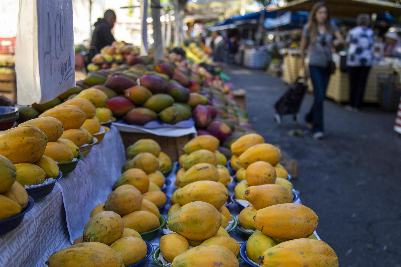 Avec l'accord Mercosur-UE, certains produits brésiliens comme les fruits pourraient voir leurs tarifs douaniers baisser.
