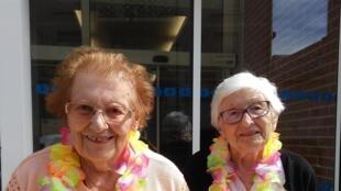 Deux résidentes de la maison de retraite de Massy-Villemorin, dans le sud de Paris.