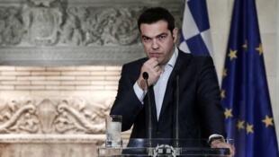 O primeiro-ministro Alexis Tsipras viaja ainda neste domingo (21) para Bruxelas, onde será realizada uma reunião crucial sobre o futuro da Grécia na zona do euro.