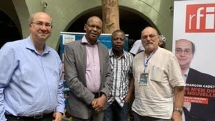 Jean-François Cadet accompagné des écrivains Tierno Monenembo, Sami Tchak et de l'anthropologue André Bourgeot.