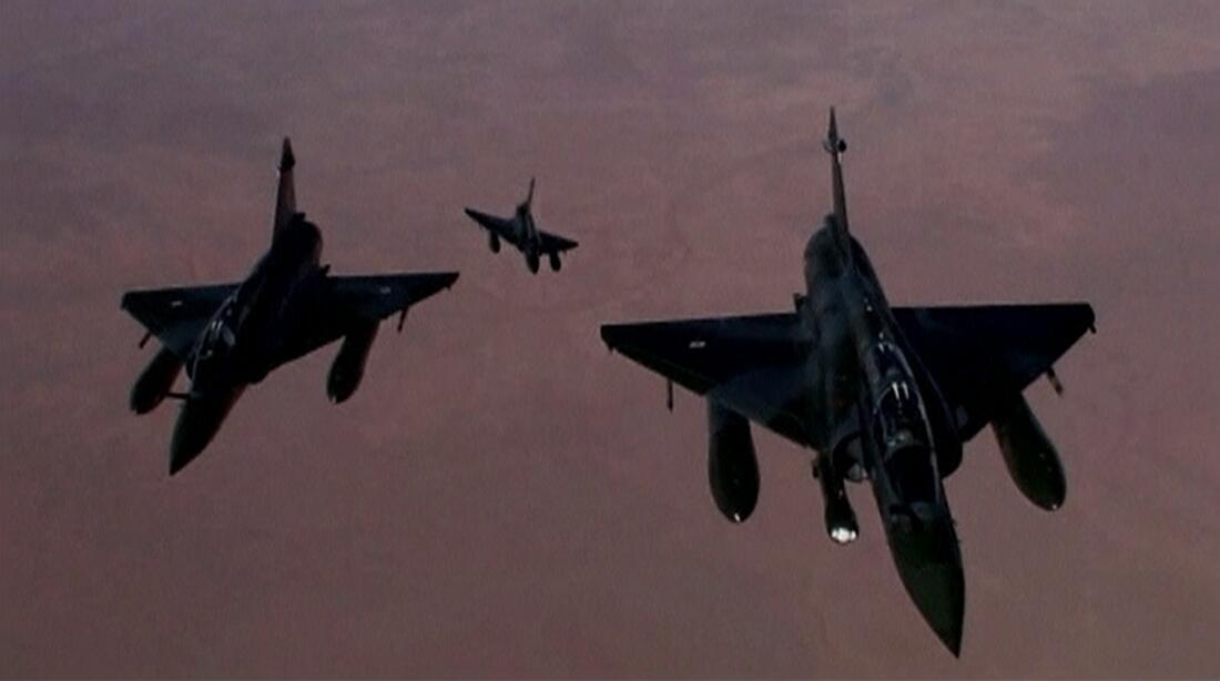 Aviões de combate Mirages das Forças Armadas francesas em operação no Mali, em janeiro de 2013.
