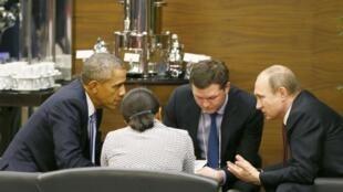 Barack Obama em reunião com o presidente russo, Vladimir Putin