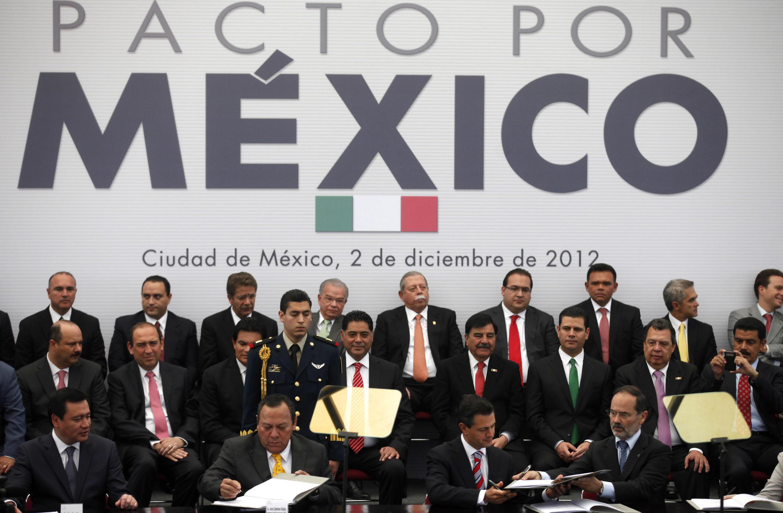 El PRI, PRD y PAN firmaron el Pacto por México el 2 de diciembre de 2012.