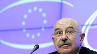 Le ministre des Affaires étrangères, Janos Martonyi, le 20 décembre 2010 à Bruxelles.
