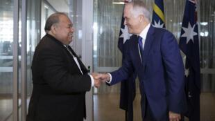 Le président de Nauru, Baron Divavesi Waqa, et le Premier ministre australien, Malcolm Turnbull, en avril 2017 à Sydney.