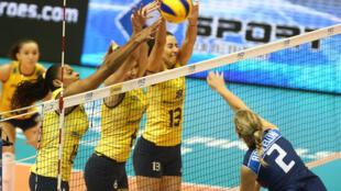 A seleção brasileira de vôlei feminino venceu a Itália por 3 a 0 nesta sexta-feira, 30 de agosto de 2013.