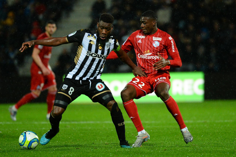 Ismaël Traoré (g) lors d'une rencontre de Ligue face à Strasbourg en novembre 2019.