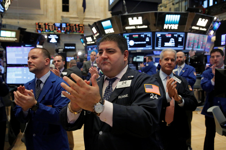 Thị trường chứng khoán New York (NYSE) Manhattan, New York, Mỹ ngày 22/12/2016. Nhiều dấu hiệu cho thấy kinh tế Mỹ 2017 tiếp tục khởi sắc.