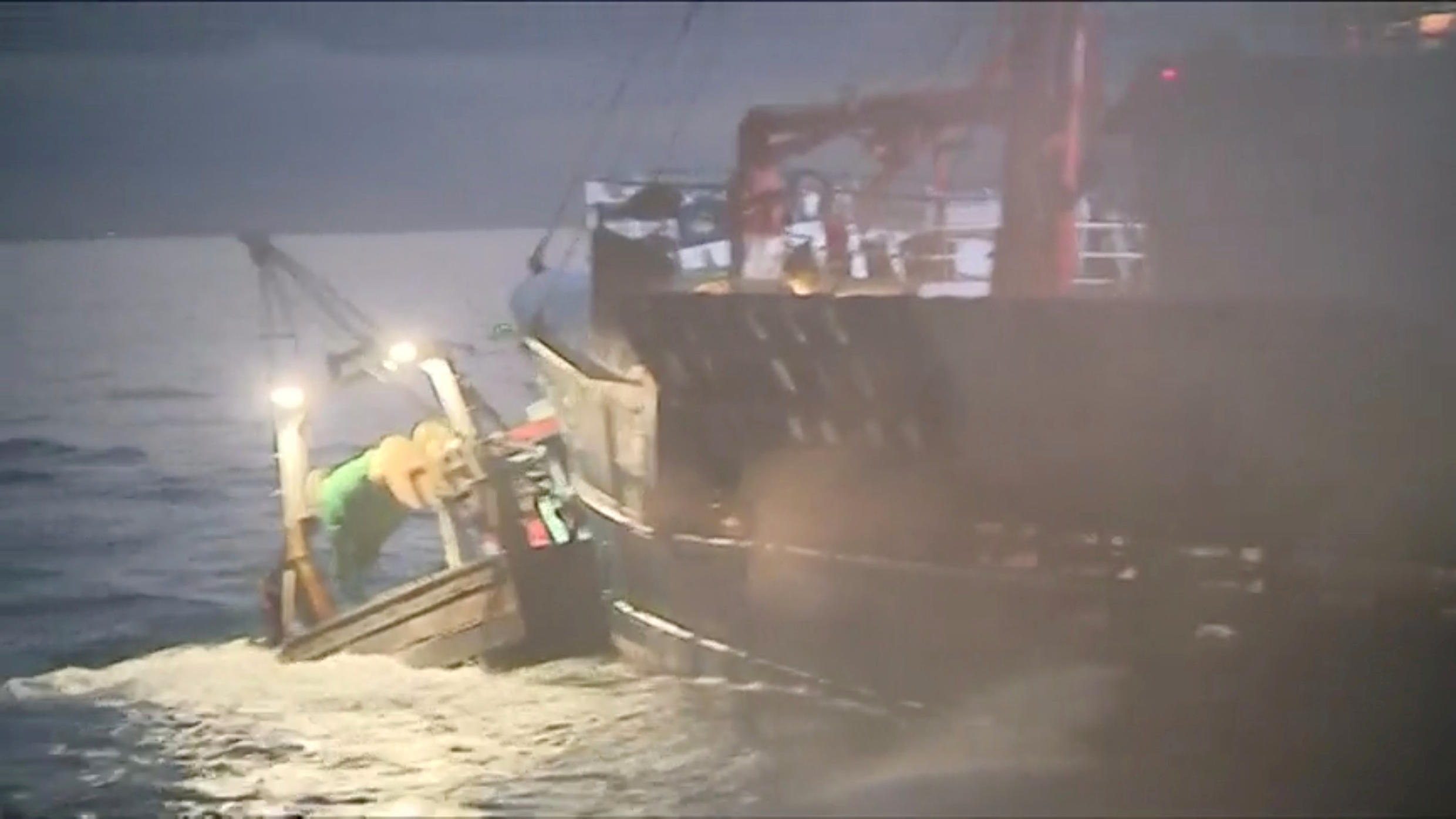 A French boat rams a British one on Tuesday