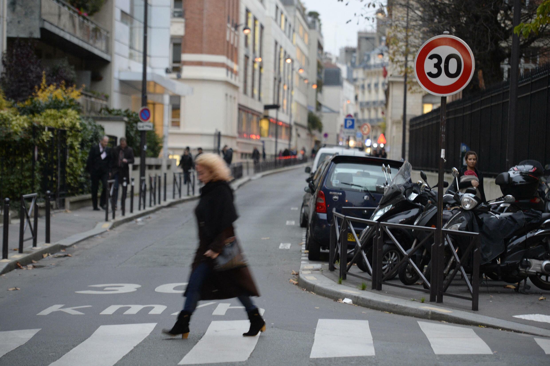 Paris voiture 30 kmh